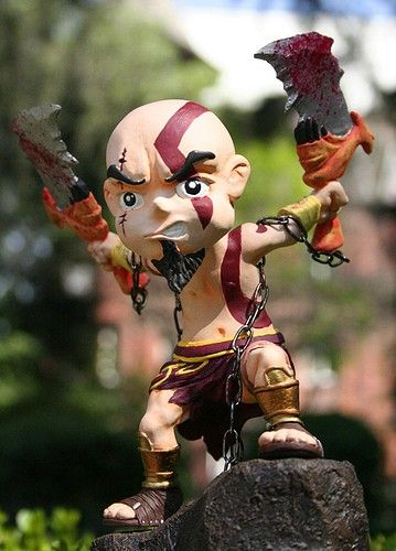 vinyl-figure-kratos-1