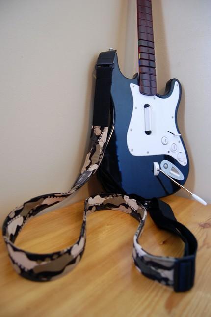 guitar hero guitar strap