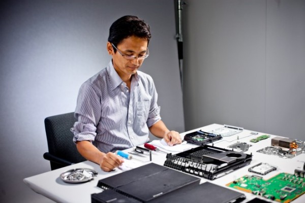 PlayStation 4 teardown Wired.com image 2